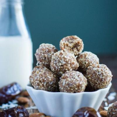 Coconut, Almond Date Balls